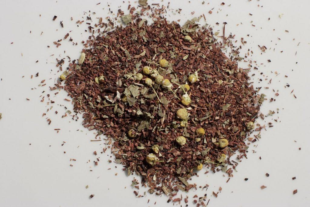 infusion de escaramujo e hibisco