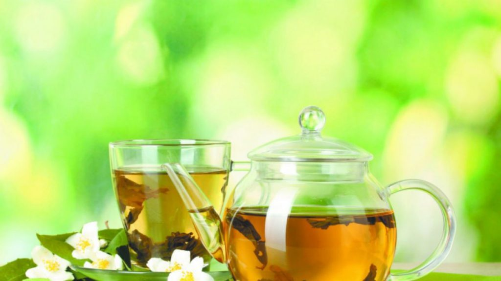 infusion de te verde y manzanilla